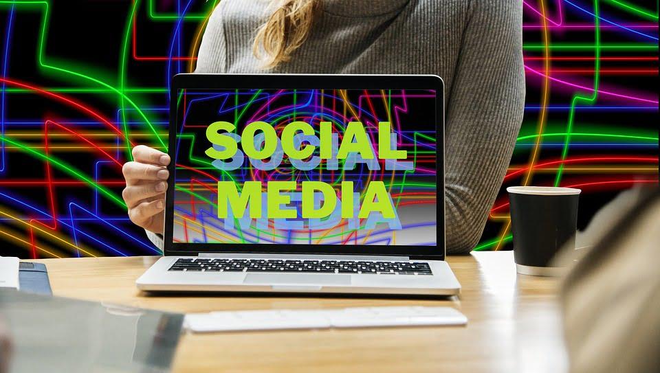 Make Money by Advertising on Social Media Platforms