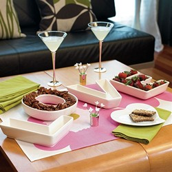 LOVE Plates Set